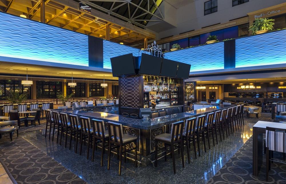 Hilton new orleans riverside 2017 room prices deals for Design hotel new orleans