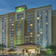 La Quinta Inn & Suites San Antonio Riverwalk