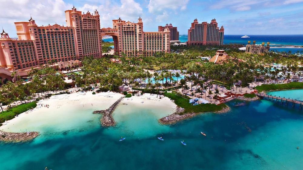 Atlantis royal towers in nassau hotel rates reviews on orbitz - Atlantis hotel in bahamas ...