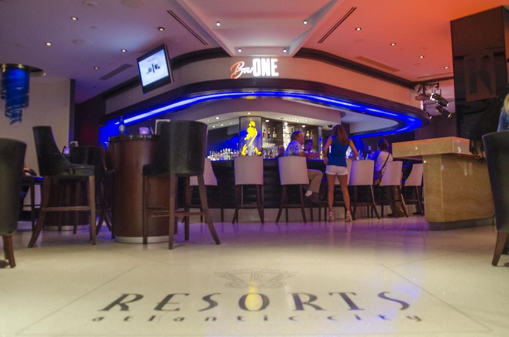 Blackhawk casino room deals