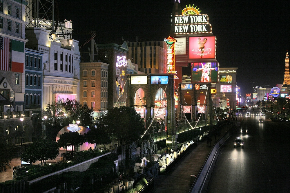 casino next to new york new york