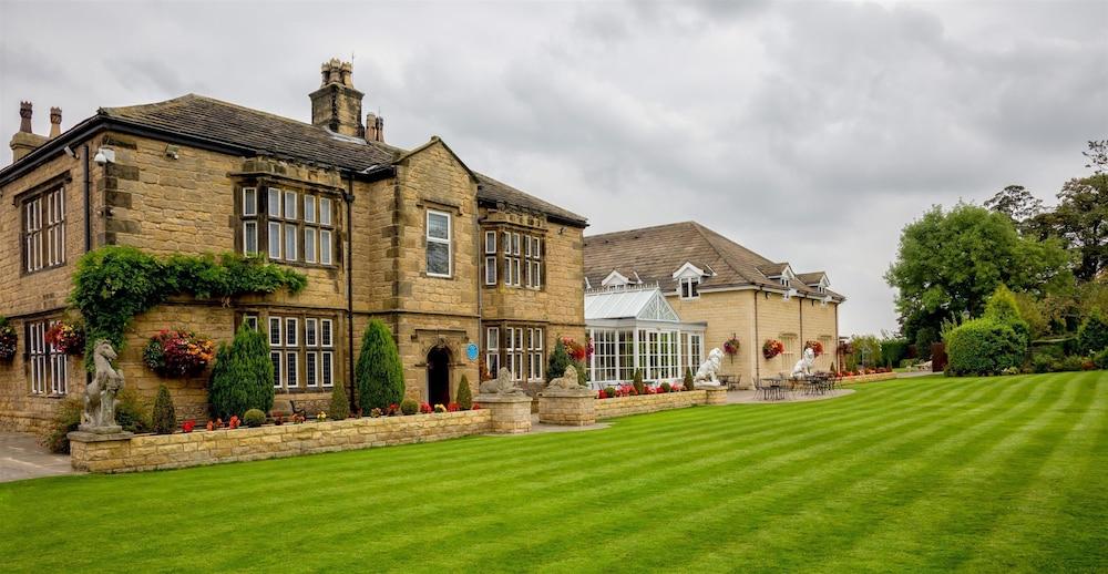 Pontefract United Kingdom  city photos : ... Plus Rogerthorpe Manor Hotel Pontefract, United Kingdom | Expedia