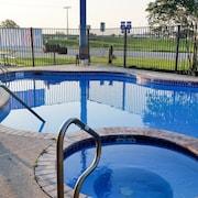 La grange hotels texas book top hotel deals with expedia for River valley motor inn la grange tx