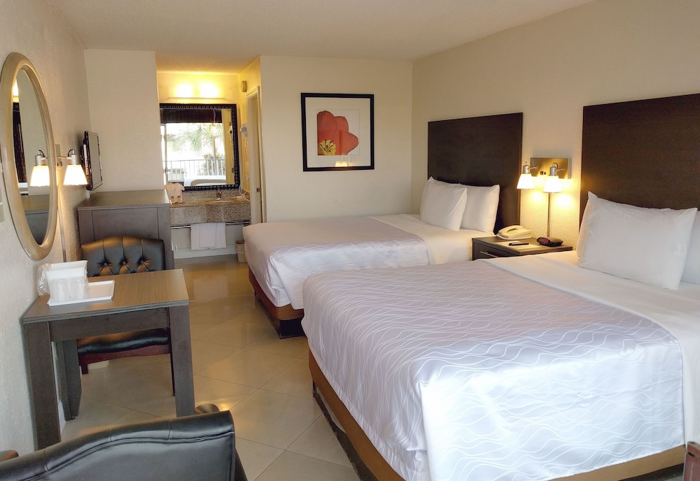 Red Carpet Inn Airport Cruiseport 2018 Room Prices From