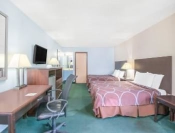 Cleveland Vacations - Super 8 - Cleveland/N. Ridgeville - Property Image 3