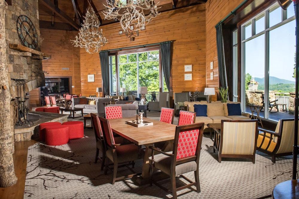Brasstown valley resort spa young harris ga 6321 u for 76 salon mid valley