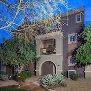 Hot Spot at Desert Ridge 2 BDR Condo By Signature Vacation R