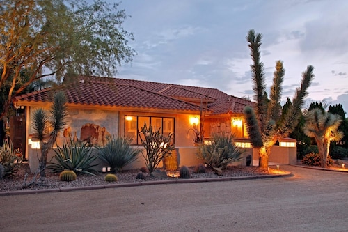 Desert Hills Paradise By Signature Vacation Rentals