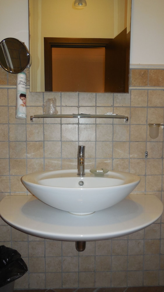 30 bathroom sink