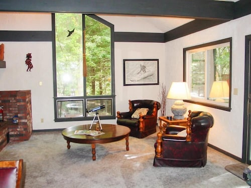 Lake Winnipesaukee - Waterfront - 408 - 3 Br home by RedAwning