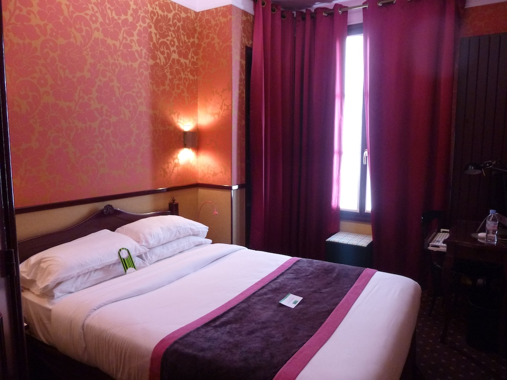 Hotel design sorbonne reviews photos rates for Hotel sorbonne paris