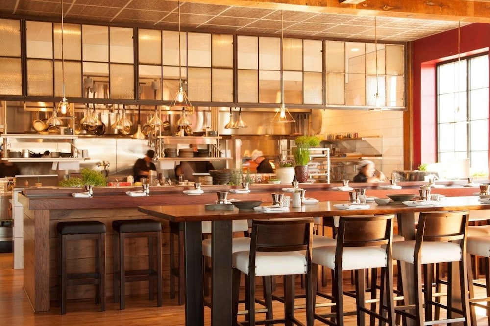 Restaurant With Private Room In Genesee County