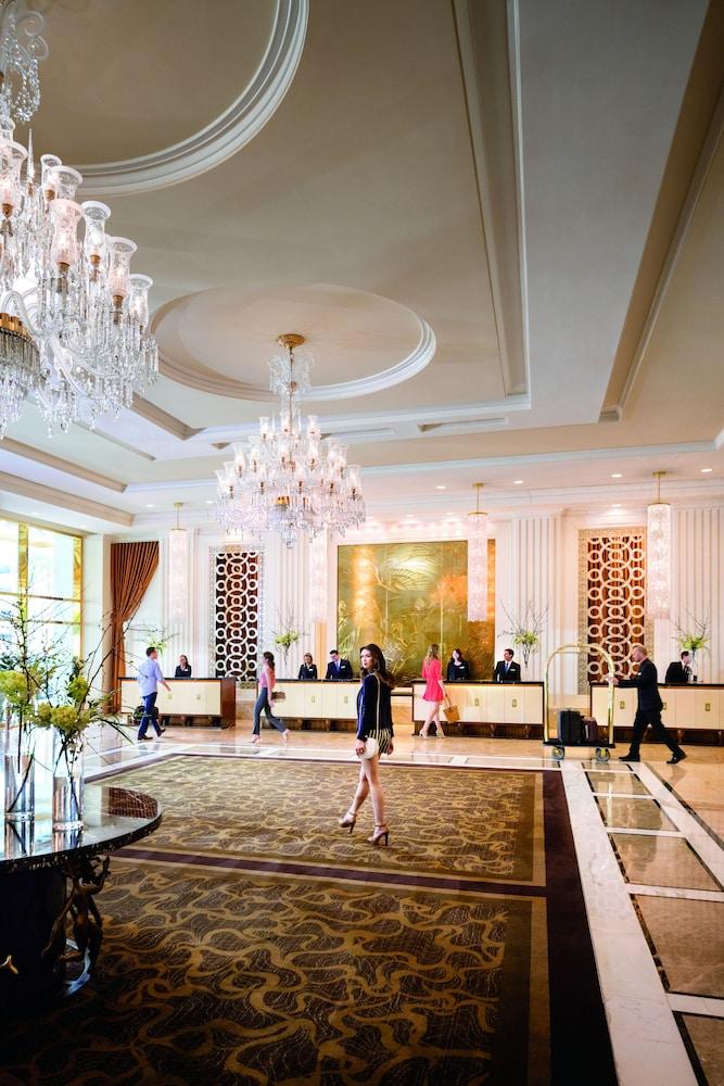 Las Vegas Restaurant Meeting Room