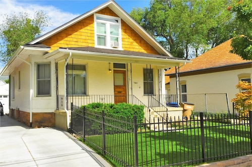 3-Bedroom Home Near Trolley Square