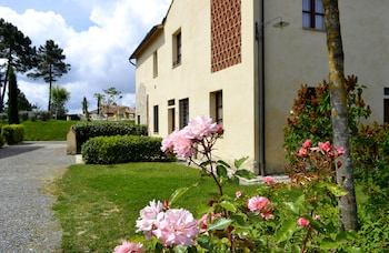 Tuscany Country Apartments