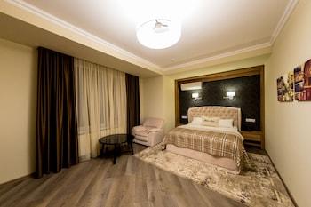 Mon Ami Villa