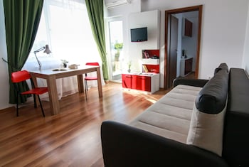 Rotara Apartments