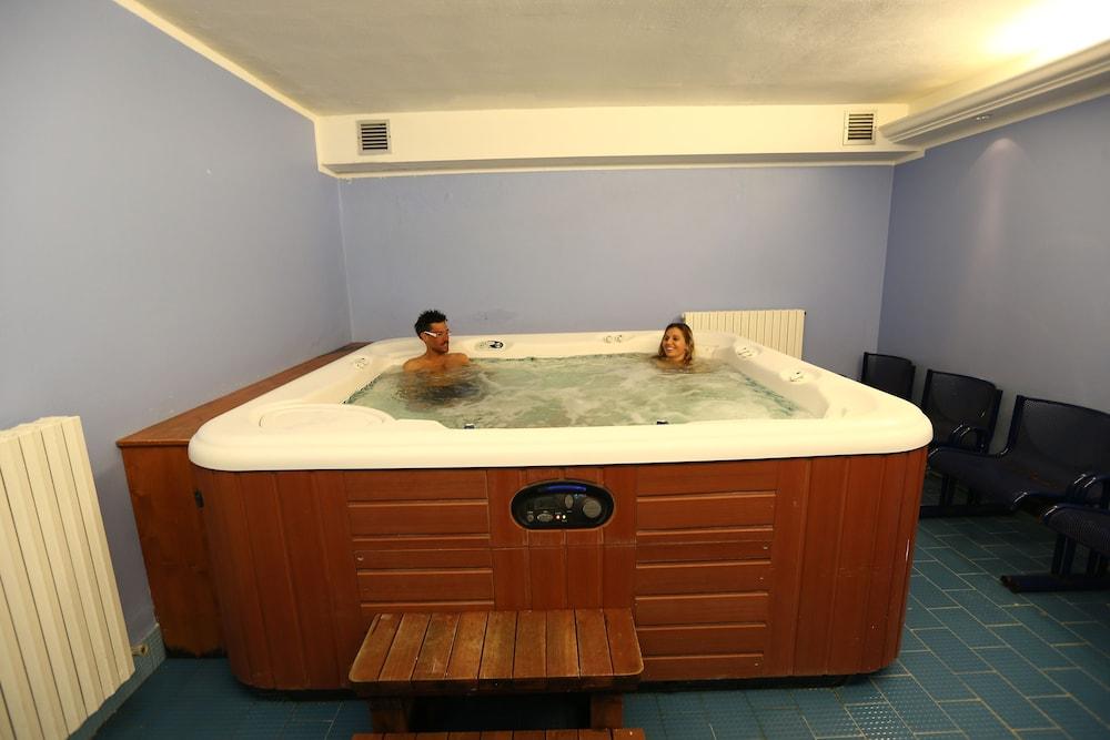 Albergo Quarto Pirovano (Lombardy Alps, Italy) Expedia ~ Hotel Quarto Pirovano
