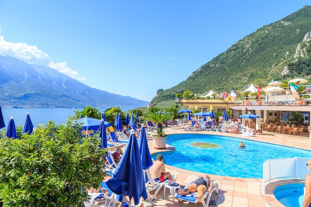 Hotel cristina lac de garde italie - Hotel nice piscine sur le toit ...