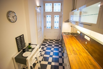 Opera Guesthouse & apartments