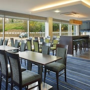 Holiday Inn Express Cambridge-Duxford M11, Jct.10