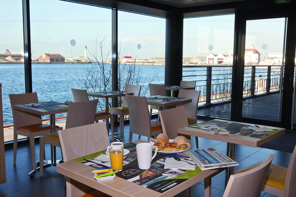 all suites appart hotel dunkerque in dunkerque hotel rates reviews on orbitz. Black Bedroom Furniture Sets. Home Design Ideas