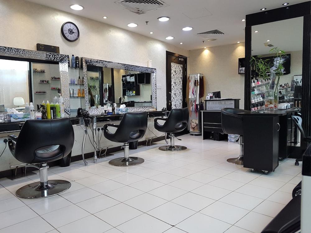 Landmark grand hotel duba emirats arabes unis for Salon de coiffure dubai