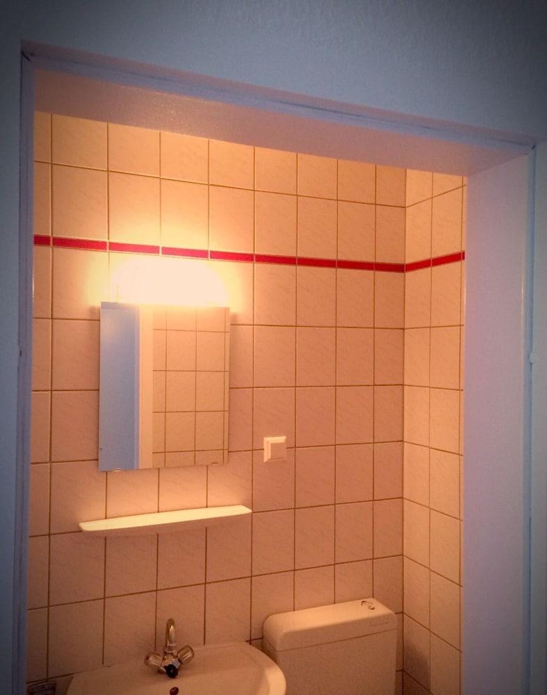 Room direct hannover hanovre allemagne for Salle de bain allemagne