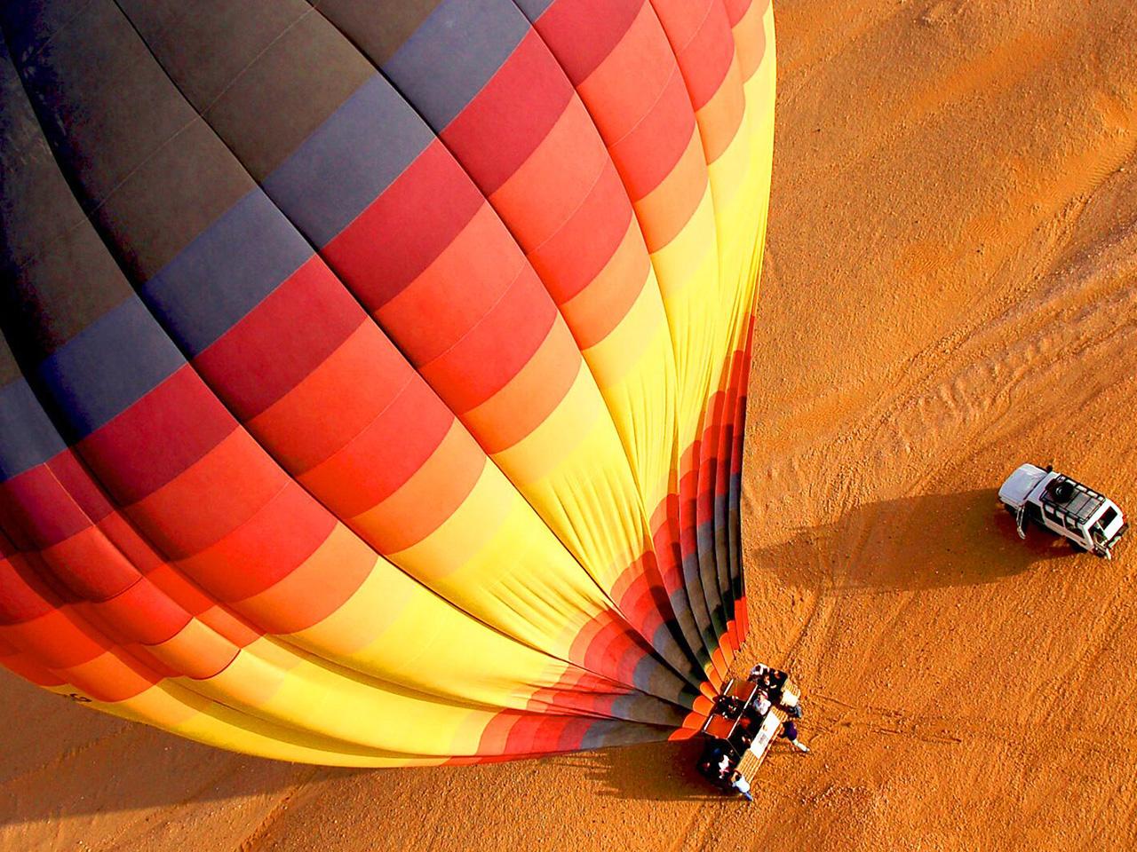 Hot air balloon desert Dubai tour