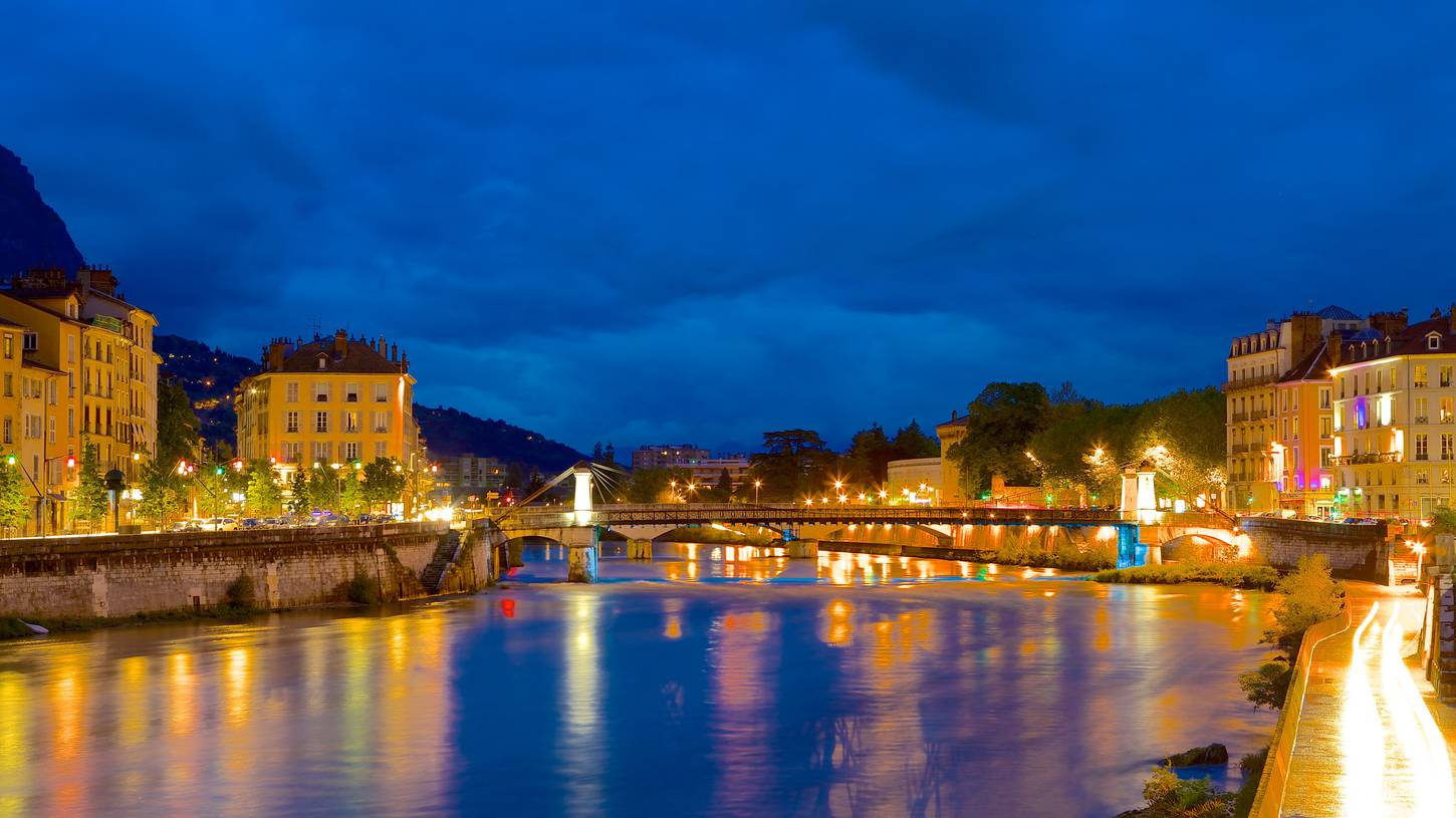 Cheap Flights to Grenoble, France $175.00 in 2017 | Expedia