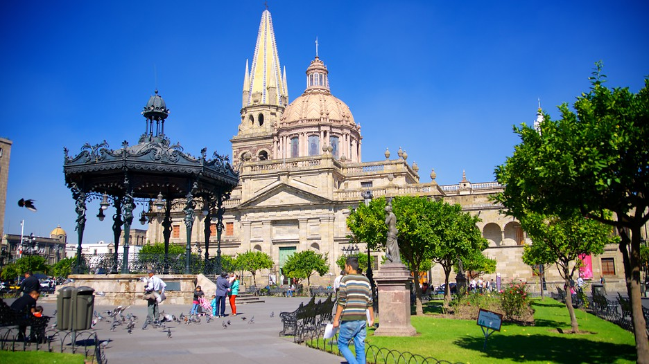 Plaza De Armas In Guadalajara Jalisco Expedia