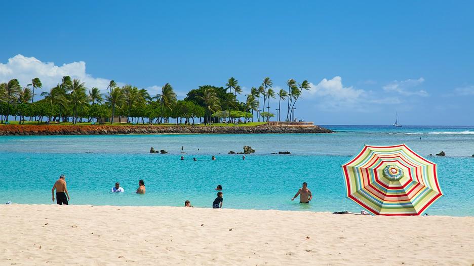 Ala Moana Beach Park Honolulu.d6069033 on Maui Hawaii Vacation Rentals