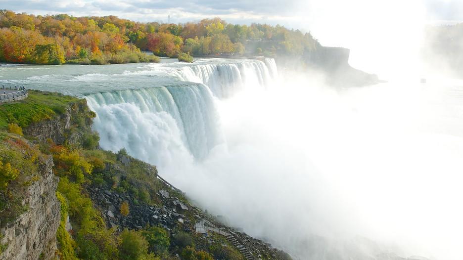 Bridal Veil Falls in Niagara Falls, New York | Expedia.ca