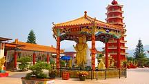 Ten Thousand Buddhas Monastery - Hong Kong