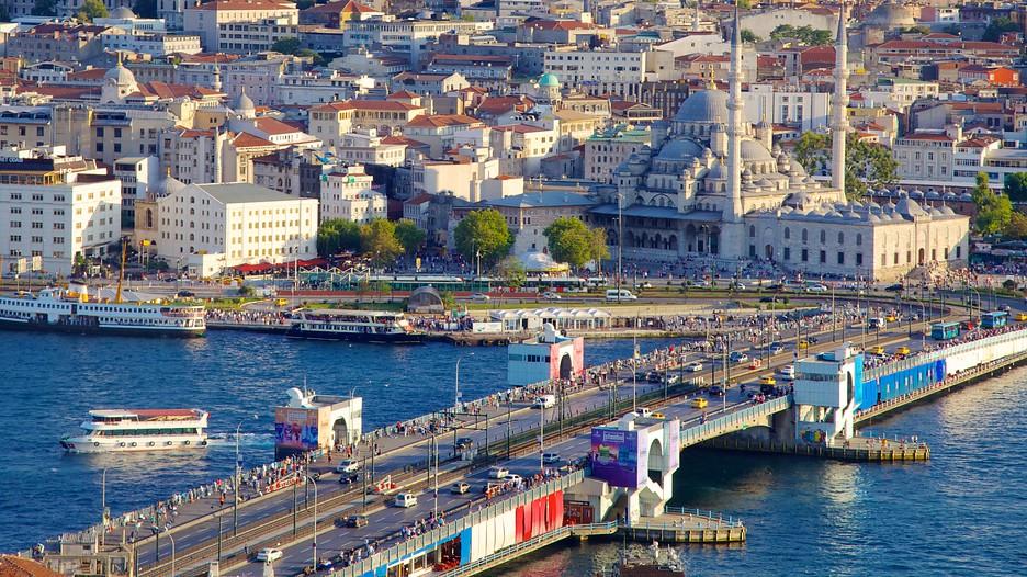 Galata Bridge In Istanbul Expedia Ca