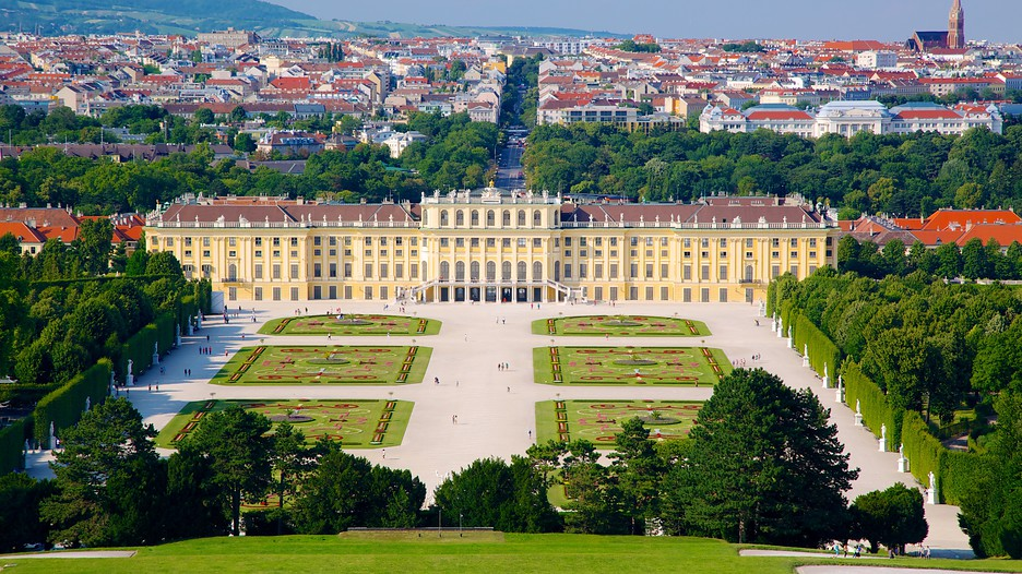Schoenbrunn Palace In Vienna Expedia Ca