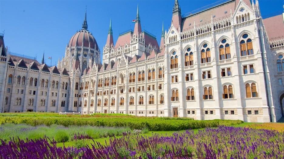 Parliament Building In Budapest Expedia