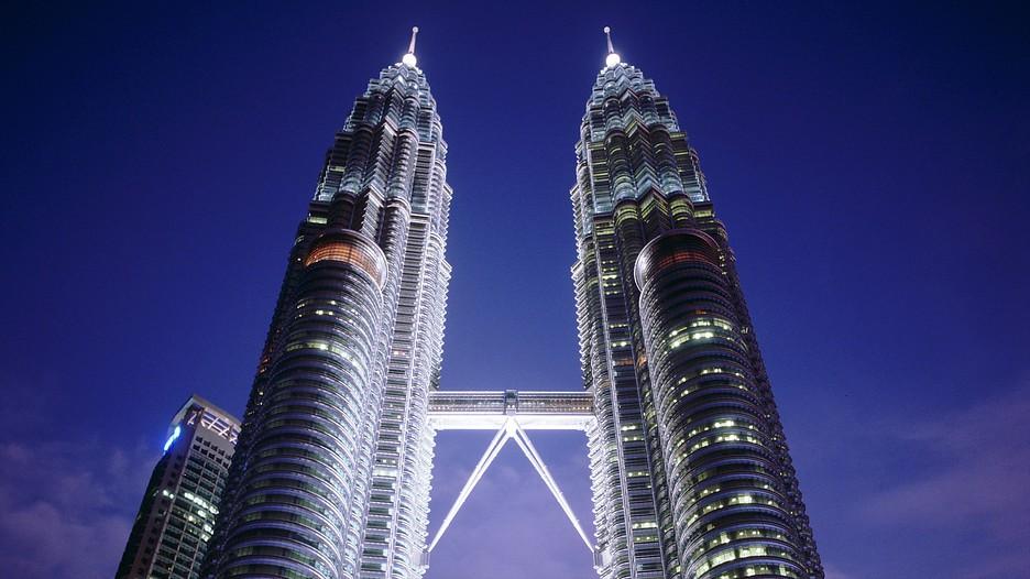 Facts About The Petronas Twin Towers Petronas Twin Towers Kuala