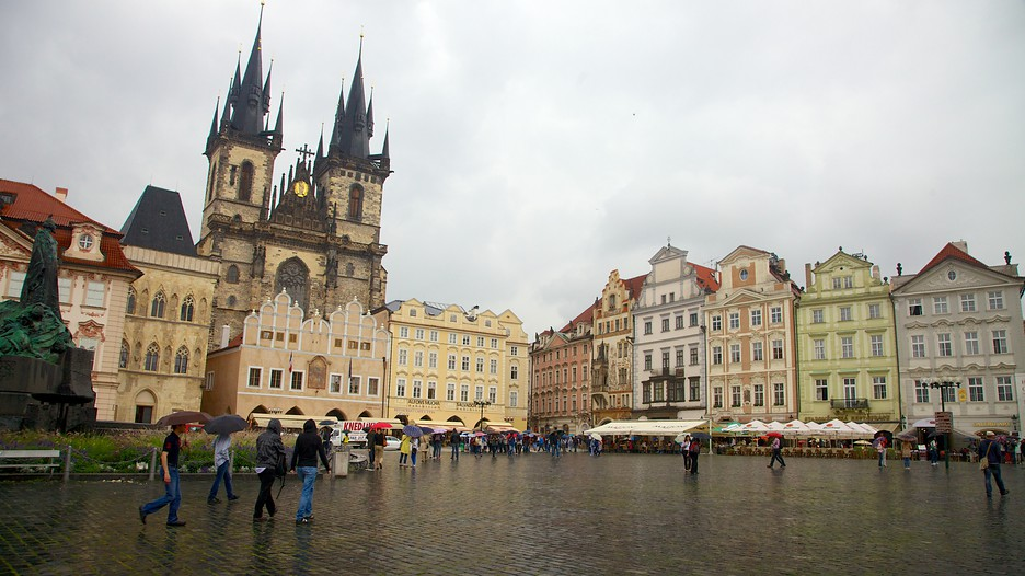 Old town square in prague expedia for Hotels near old town square prague