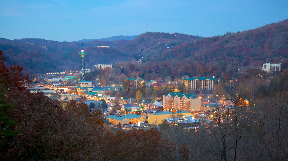 Gatlinburg vacations 2017 package save up to 603 expedia for Deals cabins gatlinburg tn