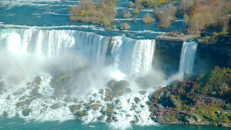 Niagara falls canada hotel deals new years