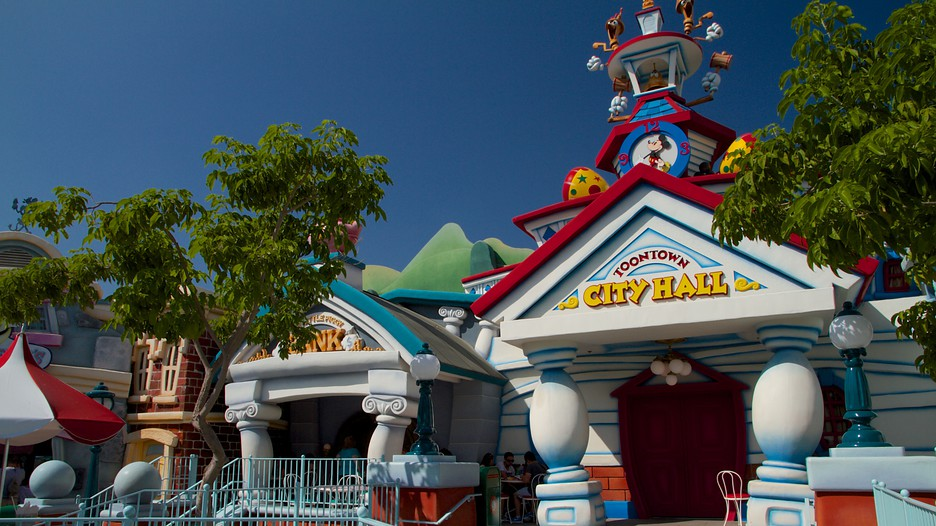 Disneyland® Park Vacations: Package & Save up to $570 | Expedia