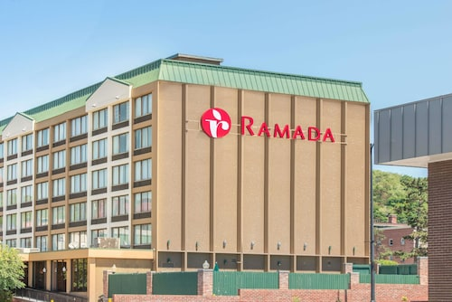 Ramada By Wyndham Berland Downtown