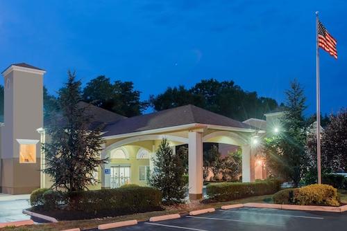 See All Hotels Near Adventure Aquarium Days Inn Suites By Wyndham Cherry Hill Philadelphia