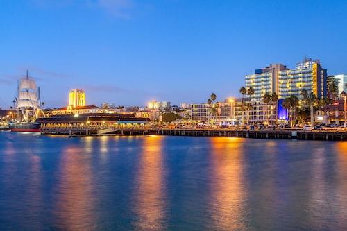See All Hotels Near Seaport Village Wyndham San Go Bayside