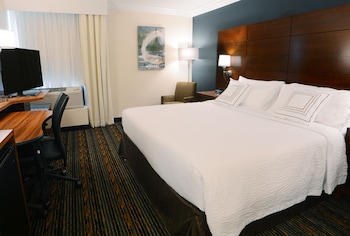 Fairfield Inn and Suites by Marriott Dulles Airport Herndon