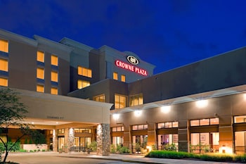 Crowne Plaza Philadelphia - Bucks County