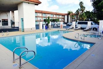 Days Inn Anaheim Near the Park