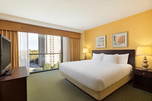Near Missouri State University Plaza Hotel And Convention Center Springfield