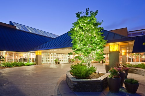 See All Hotels Near Plymouth Crowne Plaza Minneapolis West